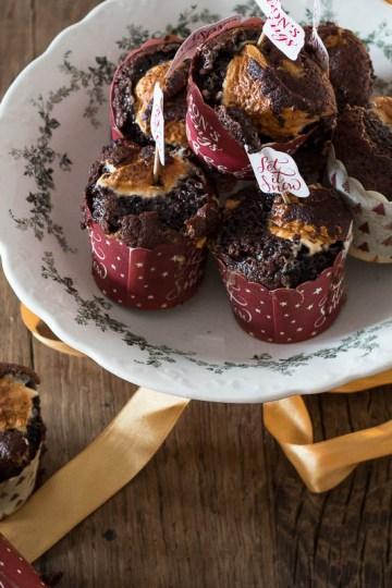 warme chocolademelk met marshmallow muffins
