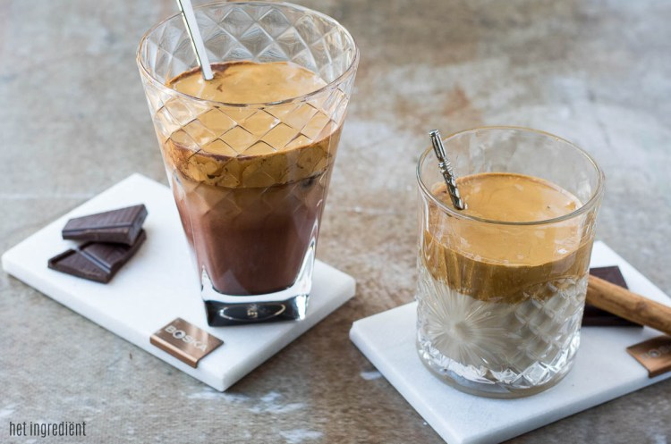 Dalgona koffie in 2 variaties