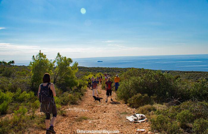 walk from Porto Roxa to Kampi