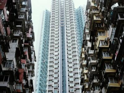 Hoe overspannen is de woningmarkt?