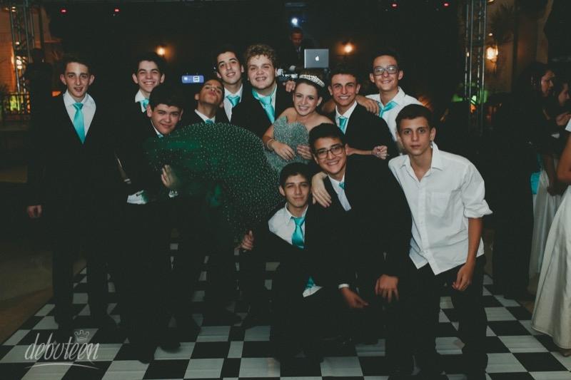 ana-festa-beatles-15-anos-131