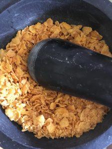 Cornflakes voor kipnuggets op de bbq