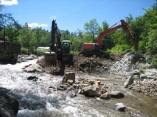 Vermont Watershed Grants and Heavy equipment working on Wells River dam removal