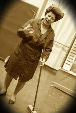 Mme Scarfati, jouée par Héléna Hameury.