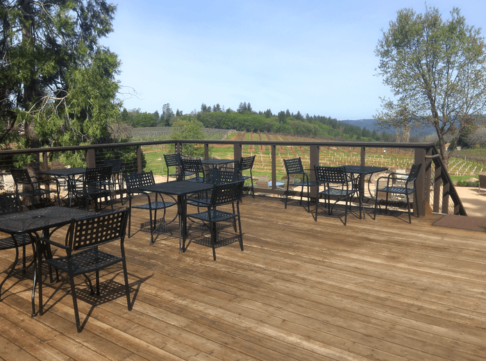 Lava Cap Winery outdoor deck
