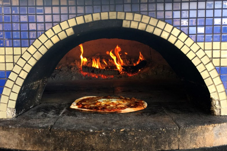 Wood fired pizza at Siren Song Wines, Lake Chelan, WA