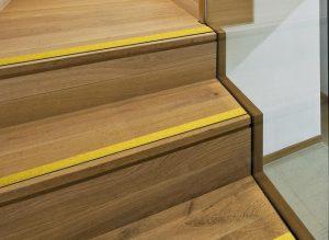 R 233 Novation Escalier Decap Industrie