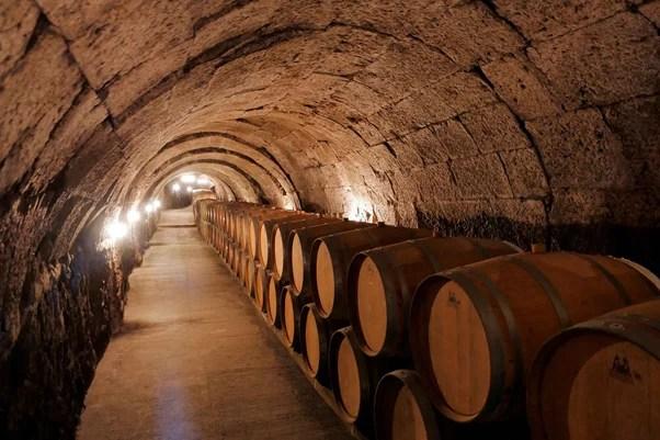 cava de barricas en Ribera del Duero