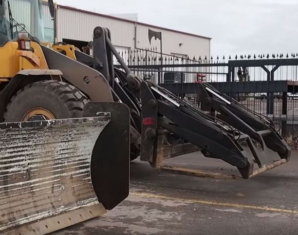 pfl_Fully_Automated_Quick_Attachment_Hydraulic_System