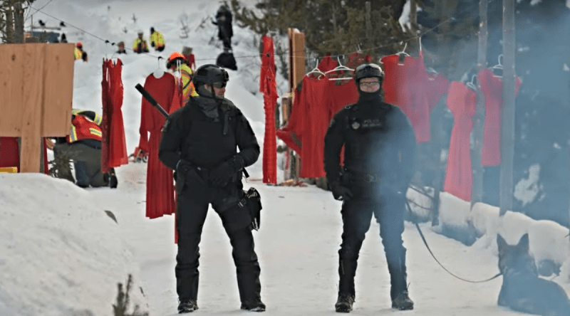 Police invasion of Wet'suwet'en territory