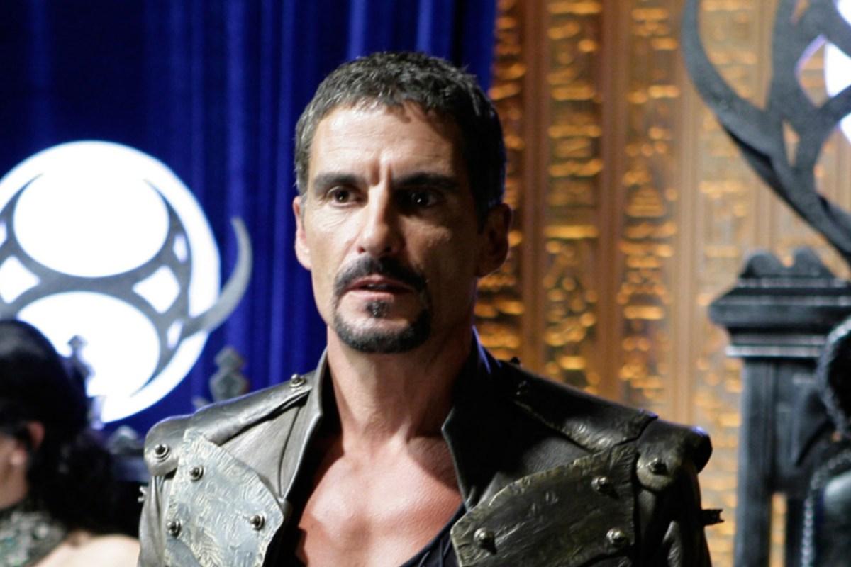 https internewscast com cliff simon stargate sg 1 actor dies at 58