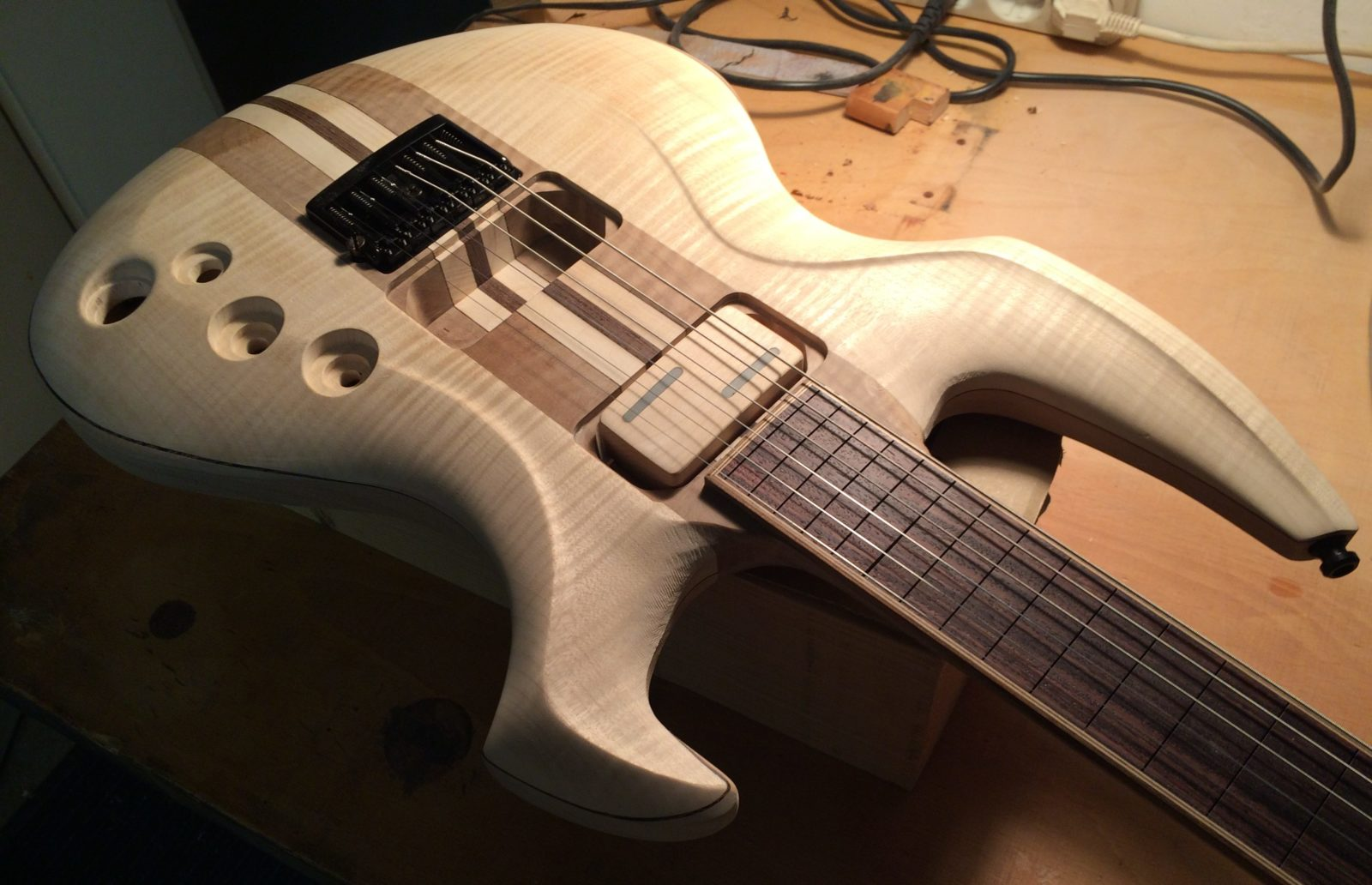 "bariton 27"" Schaller 3D6 Bridge Ezi Pickup"