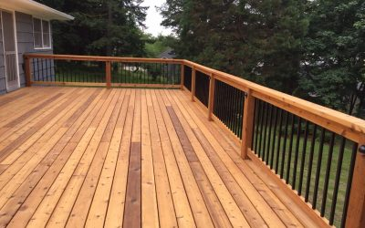 Gorgeous cedar deck!