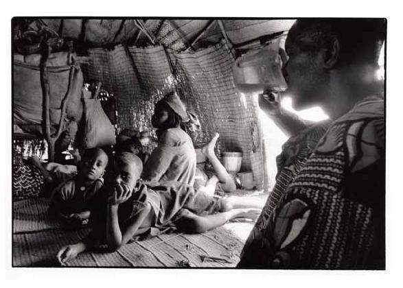 Dans la case du berger, vues photographiques, photo argentique