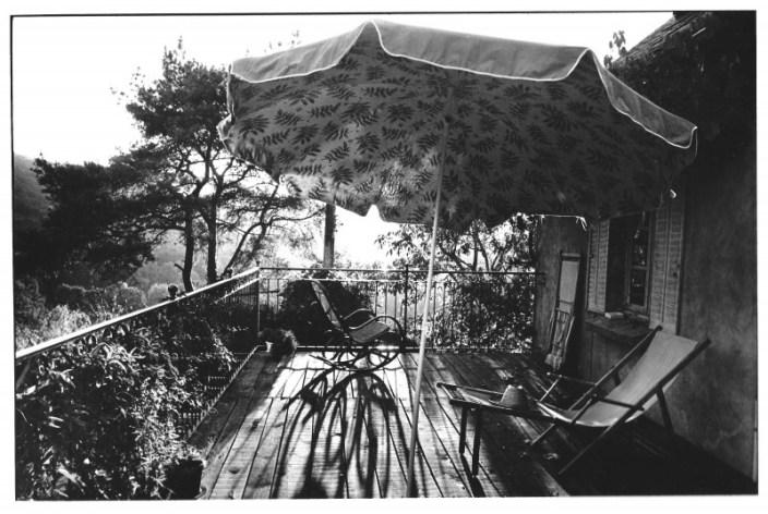 La terrasse, Aveyron, photo noir et blanc, Jean-Pierre Devals