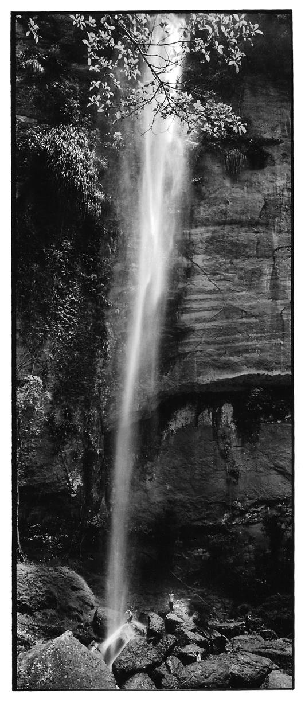 En cascade, Indonésie, prise de vue argentique, JP Devals