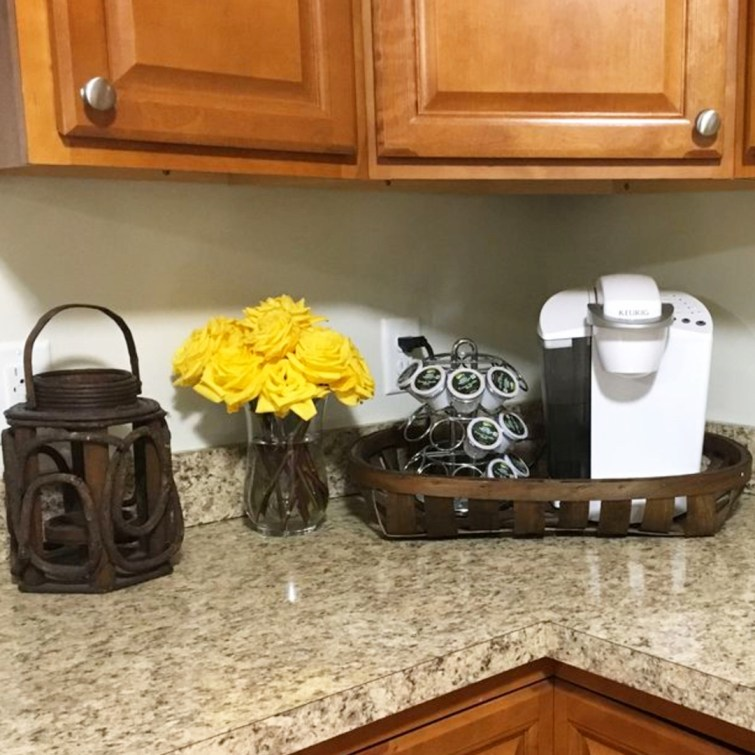 Small counter corner coffee area ideas - perfect for my tiny apartment