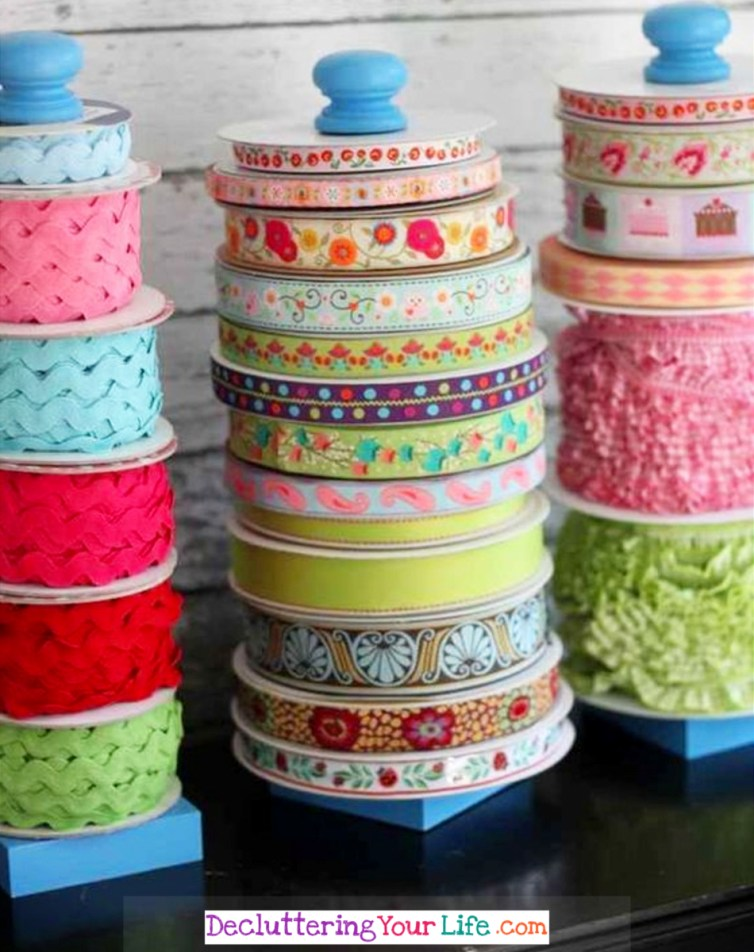Sorting Craft Supplies and Getting Them Organized - Craft Room Organizing Ideas #gettingorganized #goals #organizationideasforthehome