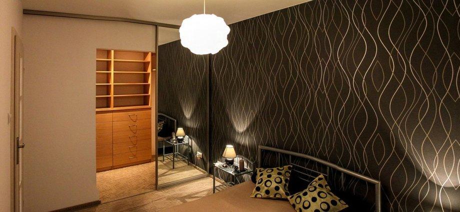 Garderoba w małym mieszkaniu - jak ją wydzielić i urządzić?