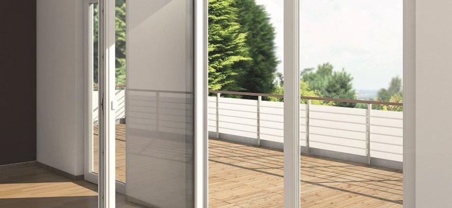 Drzwi balkonowe z niskim progiem i ukrytymi zawiasami