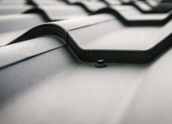 Naprawa usterek dachu i orynnowania