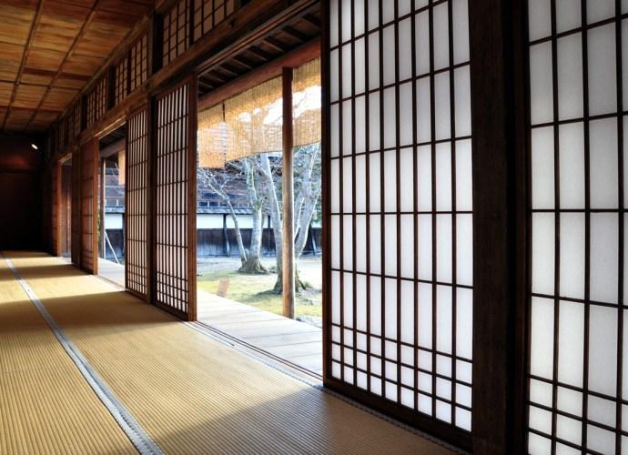 Panele japońskie - czyli subtelny pomysł na Twoje zacienione wnętrze