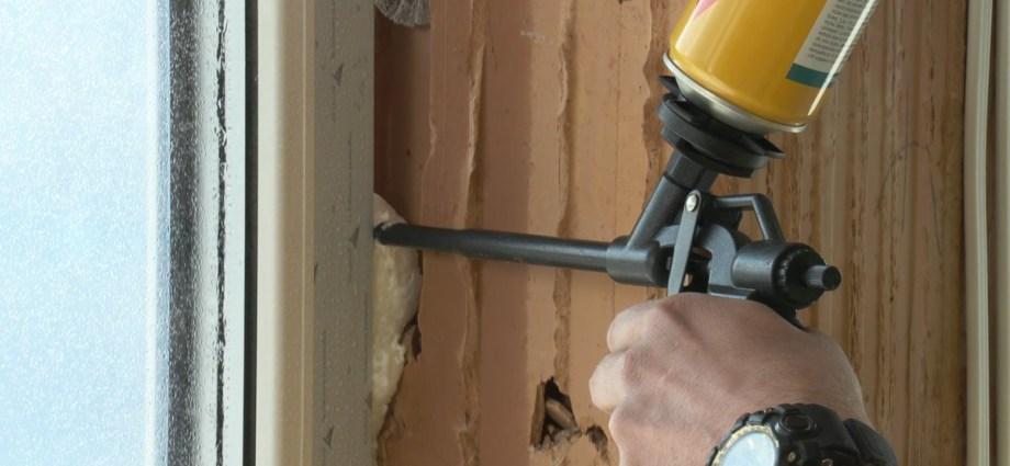 Uszczelnianie okien i drzwi. Jak zrobić to dobrze?