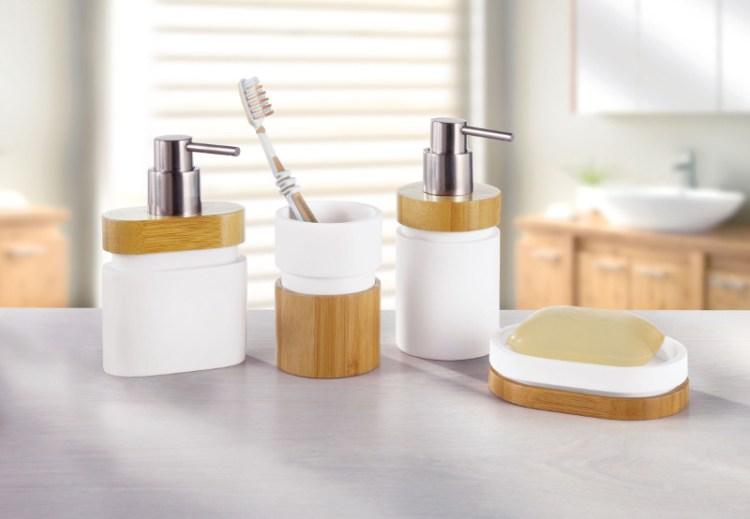 Akcesoria i dodatki łazienkowe z drewnem
