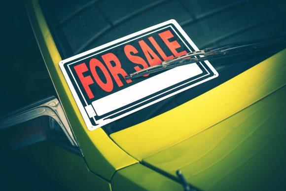 Cartel de se vende coche