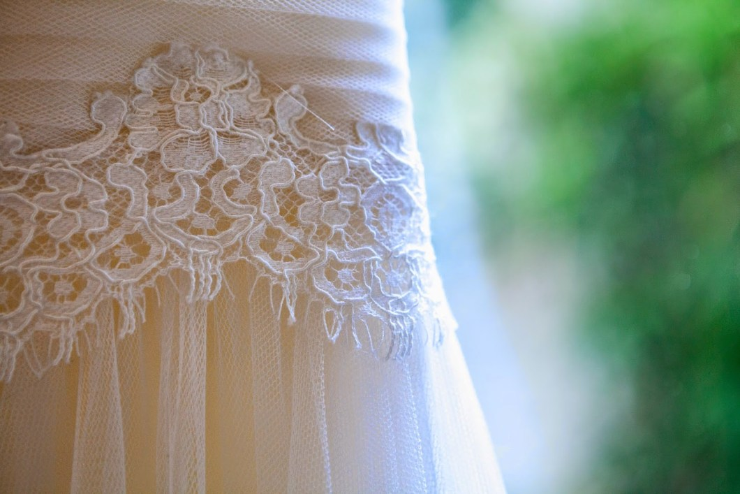 détail-robe-mariage-dentelle-wedding-decor-decocot