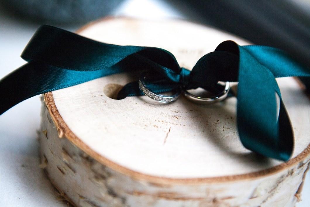 wedding-decor-mariage-porte-alliance-original-decocot-gravure-bois-nature-bouleau-decocot