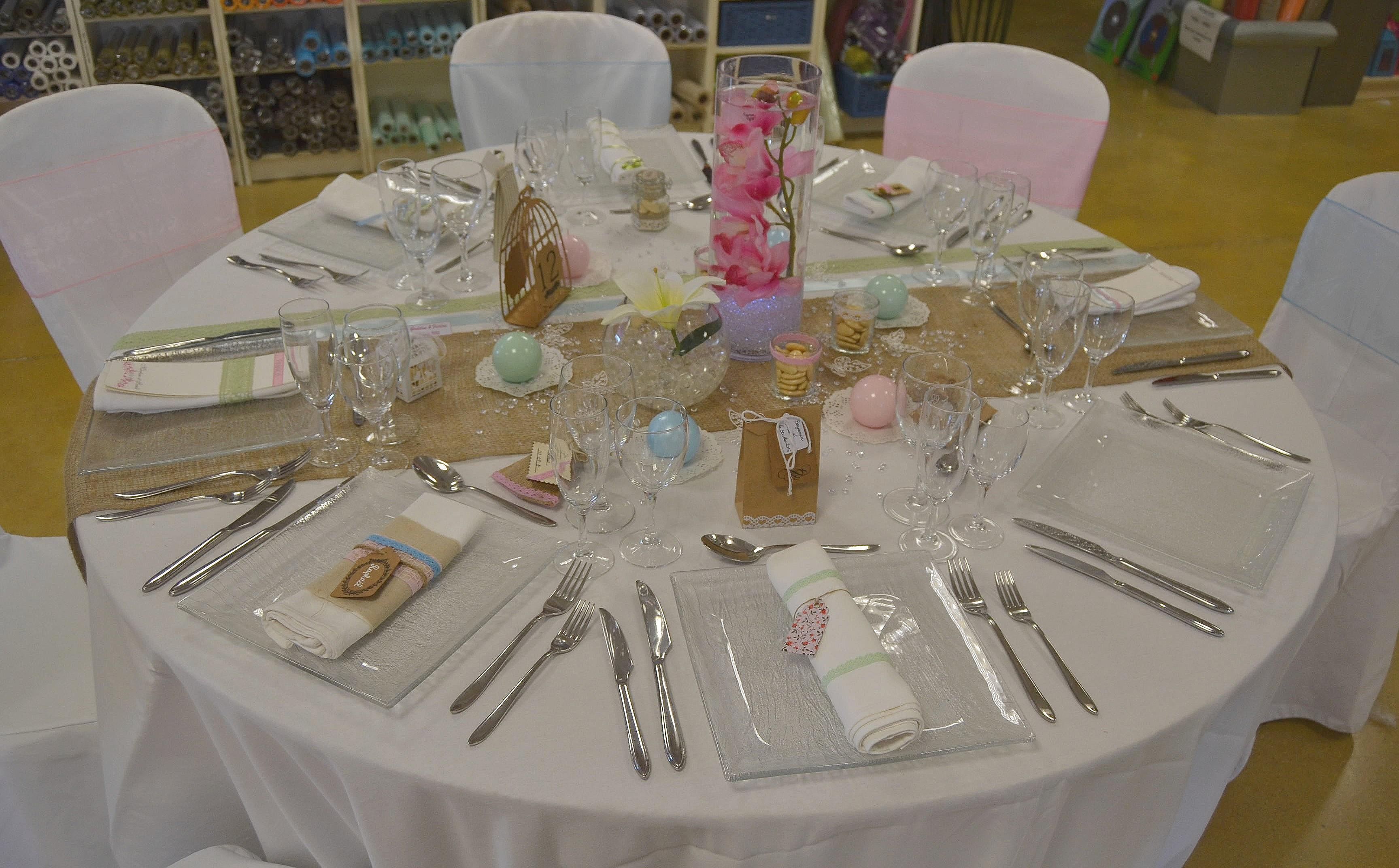 Table Aux Couleurs Pastels Crateur Dmotion By Pink Event