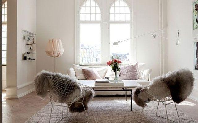 Koyun postlu sandalyeli evlerin dekorasyonu