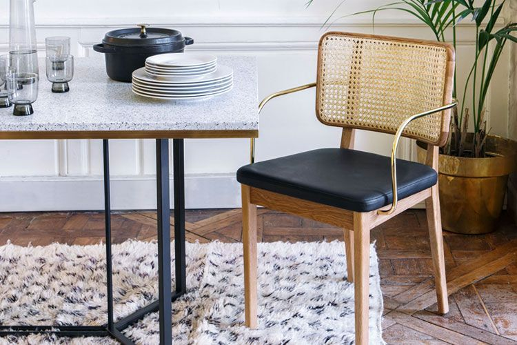 Fileli sandalyeler