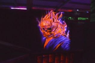 fresque murale fluo aerosol