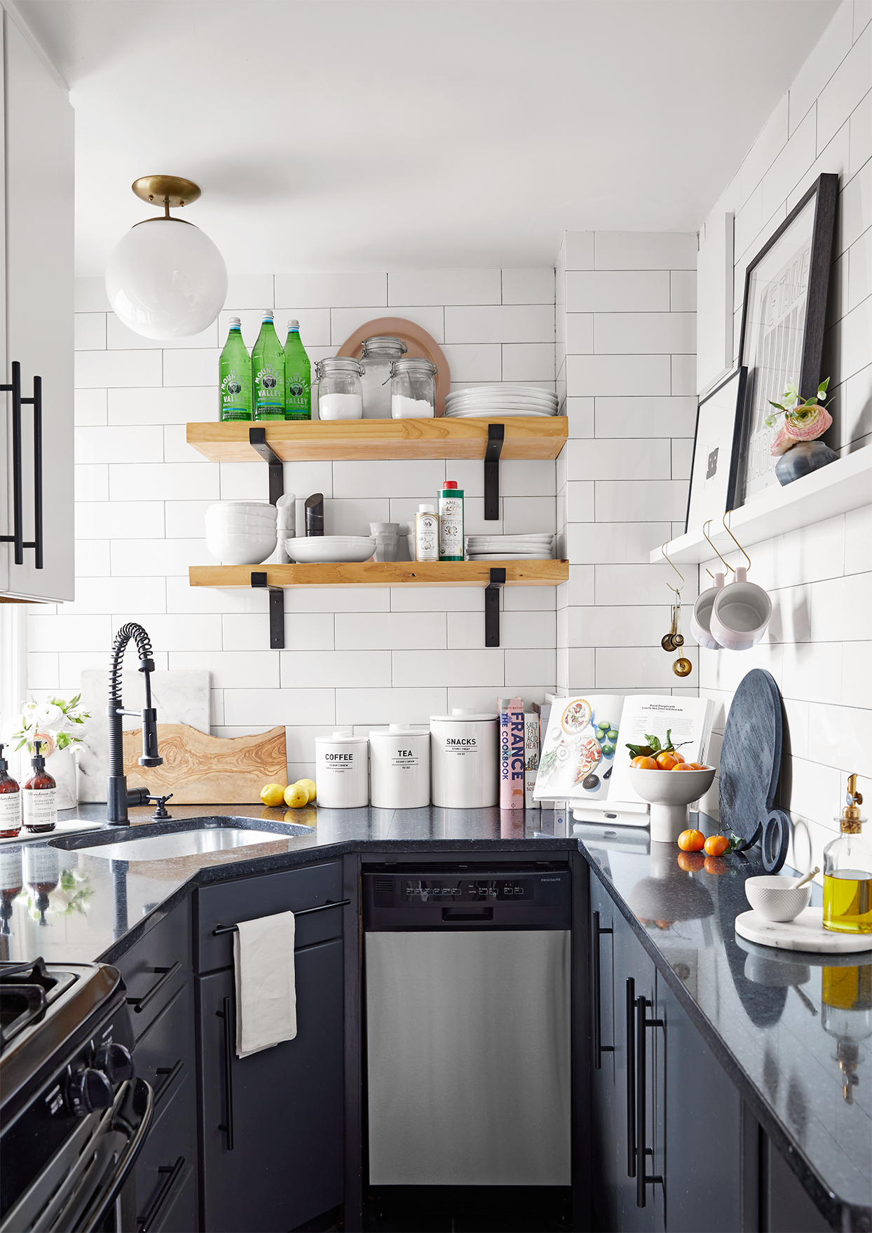 Small Kitchen Ideas You Will Want to Try Today | Decoholic on Small Space:fn118Lomvuk= Small Kitchen Ideas  id=30409
