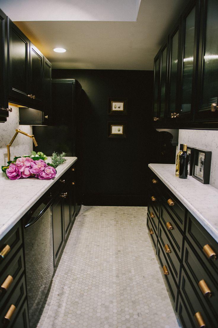 53 Stylish Black Kitchen Designs - Decoholic on Kitchen  id=87365