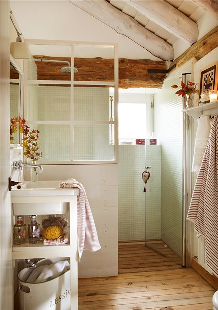 Small Bathroom Remodeling Guide (30 Pics) - Decoholic on Small Bathroom Remodel  id=14198