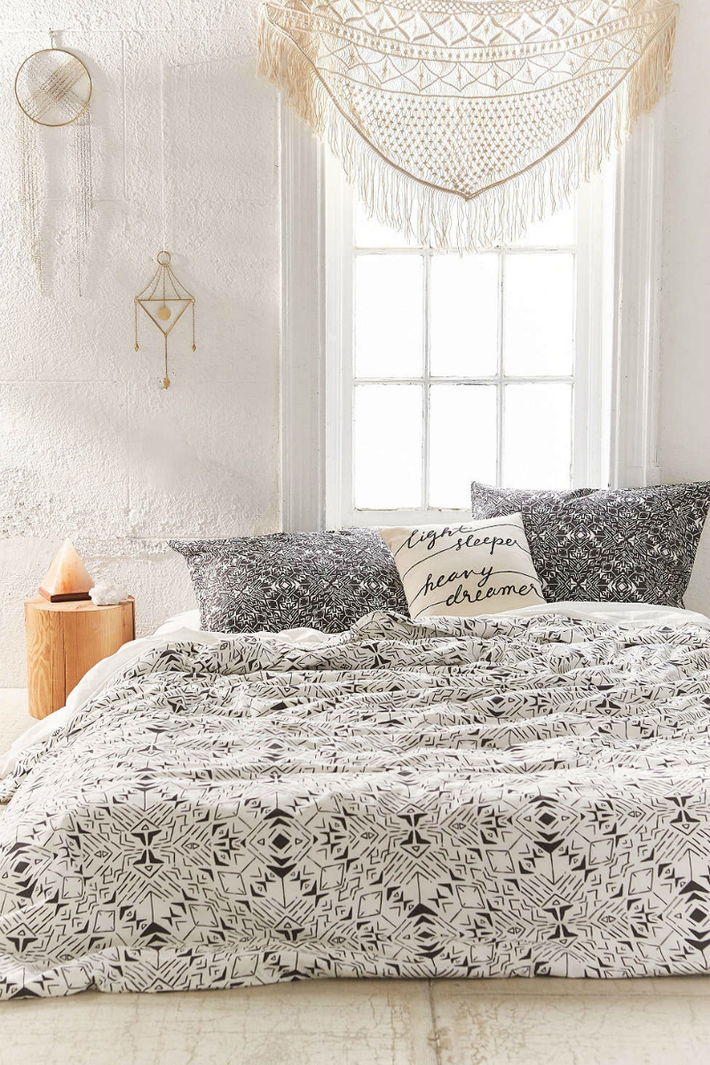 31 Bohemian Bedroom Decor | Boho room ideas | Decoholic on Boho Bedroom  id=45197
