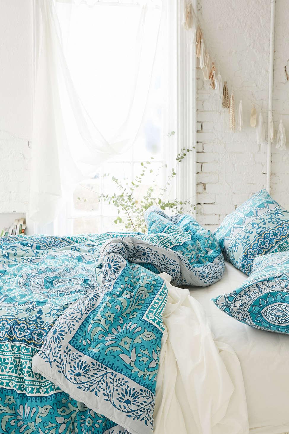 31 Bohemian Bedroom Decor | Boho room ideas | Decoholic on Bohemian Bedroom Ideas  id=59718