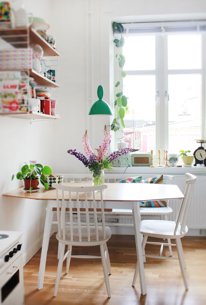 10 Stylish Table - Eat In Small Kitchen Ideas - Decoholic on Small Space:fn118Lomvuk= Small Kitchen Ideas  id=22569