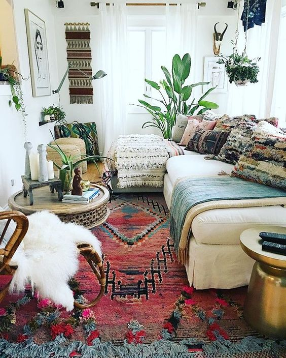 26 Bohemian Living Room Ideas - Decoholic on Boho Room Decor  id=93299