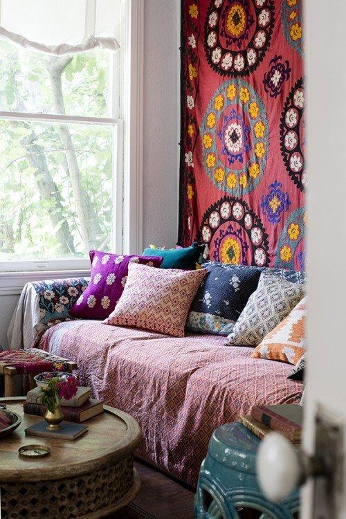 26 Bohemian Living Room Ideas - Decoholic on Bohemian Living Room Decor Ideas  id=11844