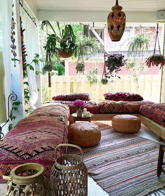 26 Bohemian Living Room Ideas - Decoholic on Bohemian Living Room Decor Ideas  id=97756