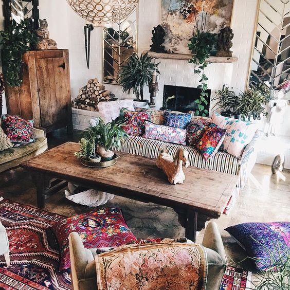 26 Bohemian Living Room Ideas - Decoholic on Bohemian Living Room Decor Ideas  id=44158