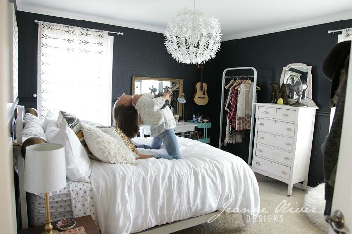 Amazing Teen Girl's Bedroom Makeover - Decoholic on Amazing Bedroom Ideas  id=54967