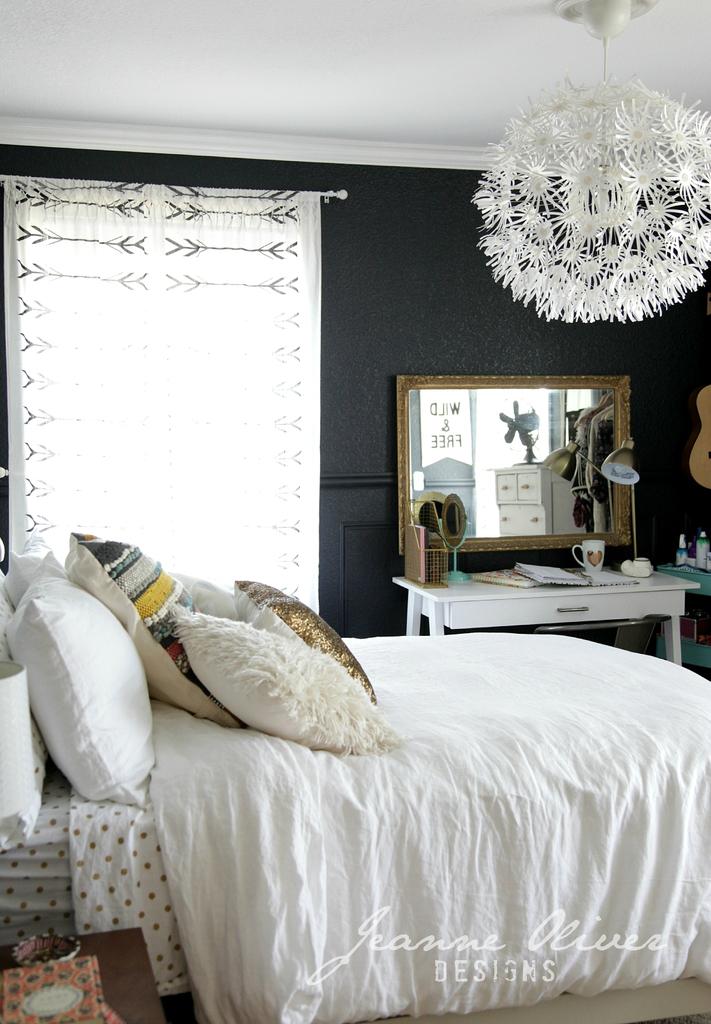 Amazing Teen Girl's Bedroom Makeover - Decoholic on Teen Rooms Girl  id=80418