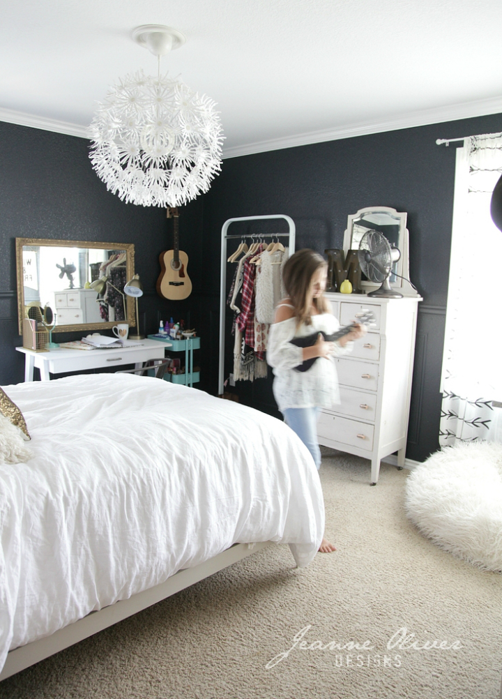 Amazing Teen Girl's Bedroom Makeover - Decoholic on Teen Room Girl  id=60419