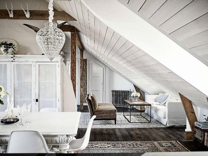 19th Century Style Scandinavian Farmhouse Decoholic