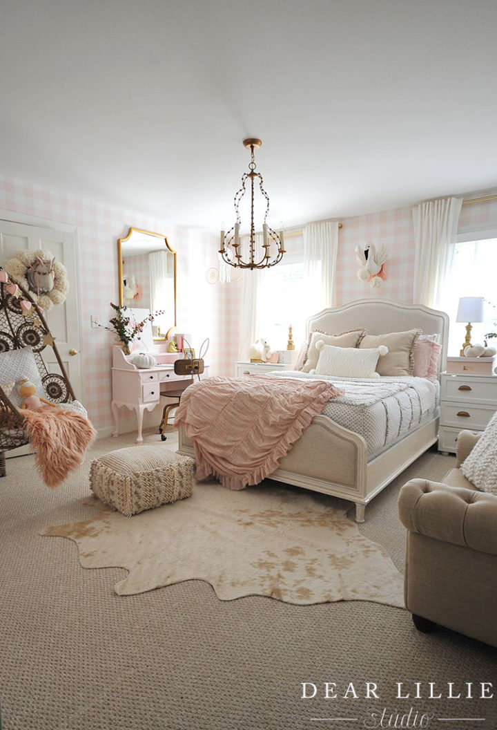 Girl's Room Decor: From Her First to Her Pre-Teen Years ... on Teenage Room Decor Ideas Girl  id=53863